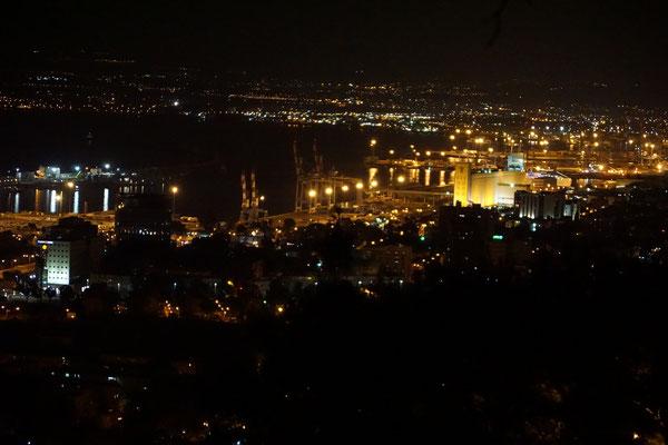 Haifa in der Nacht