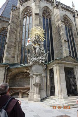 Der hl.Johannes von Capistrano beim Stephansdom