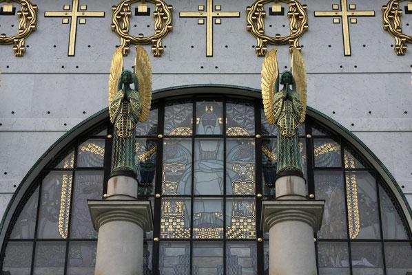 Jugendstil-Kirche am Steinhof, Fassade