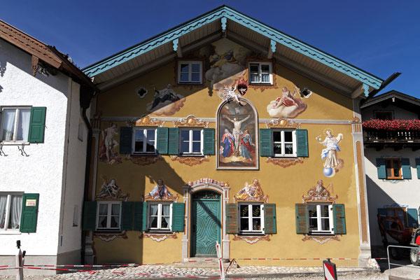 Bemalte Häuserfassade in Mittenwald