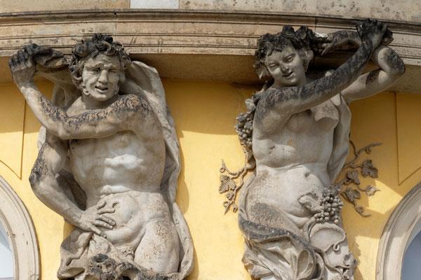 Fassadenfiguren von Schloss Sanssouci