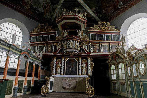 Sankt-Pankratius-Kirche Neuenfelde (Altarwand)