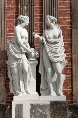 Figurenschmuck am Neuen Palais
