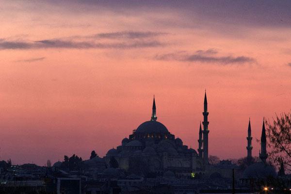 Moschee vor Sonnenuntergang