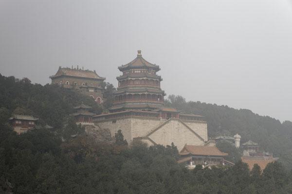 Sommerpalast, Blick auf den Pavillon des Buddhaweihrauchs