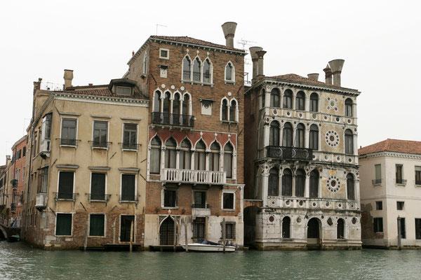 Palazzi am Canale Grande (rechts der Palazzo Dario)