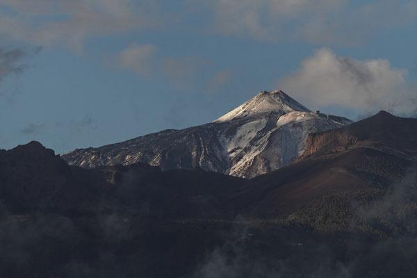 Pico del Teide mit Neuschnee