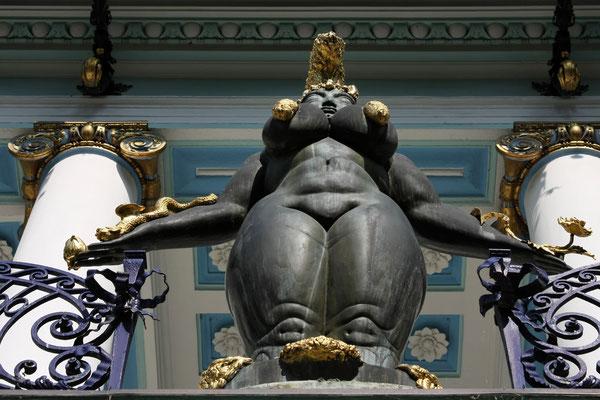 Statue von Dali vor dem Ernst Fuchs Museum