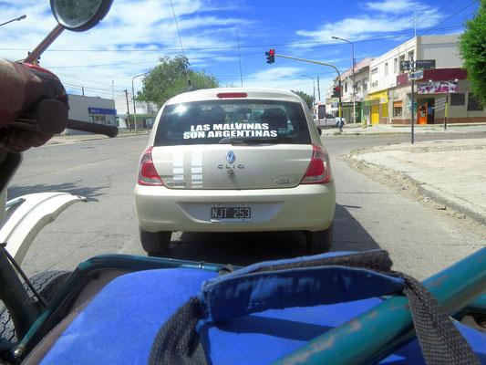 Malwinas = Falklands