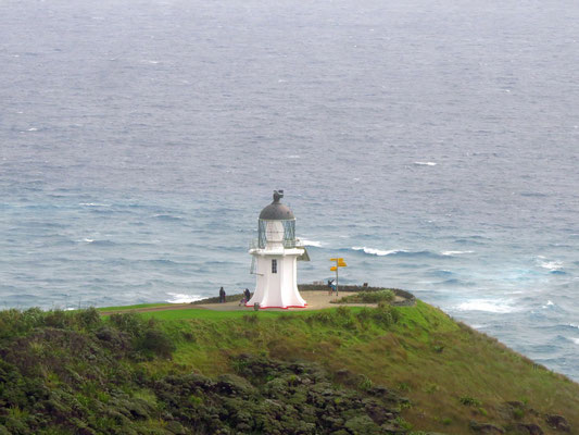 Lighthouse at Cape Reinga  -  Leuchtturm am Cape Reinga