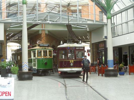 einTrambahnhof  -  a tram station