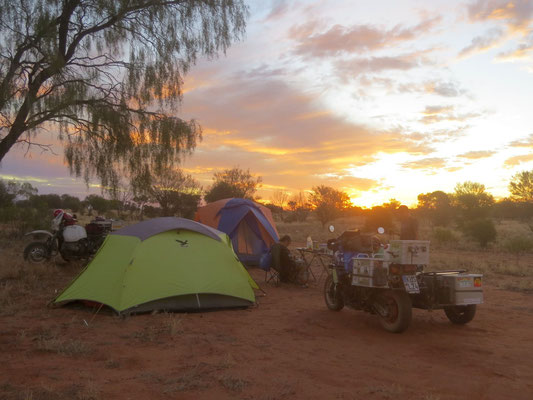 campen im Busch ist einfach nur schön  -  bush camping is the best