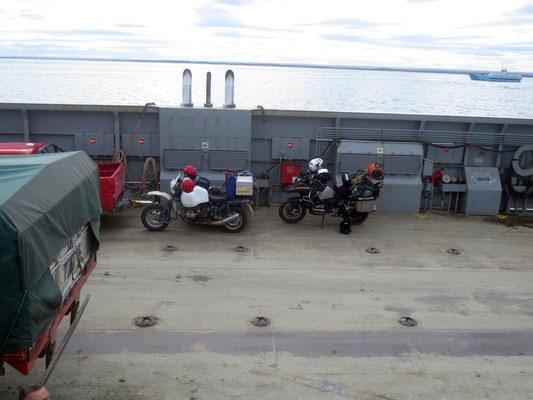 die Fähre nach Tierra del Fuego  -  the ferry to Tierra del Fuego