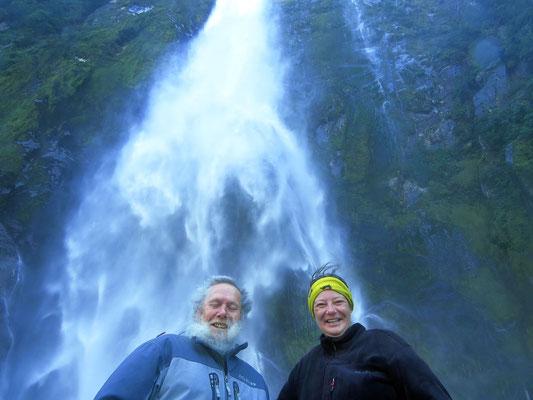einer der vielen Wasserfälle  -  one of the many waterfalls