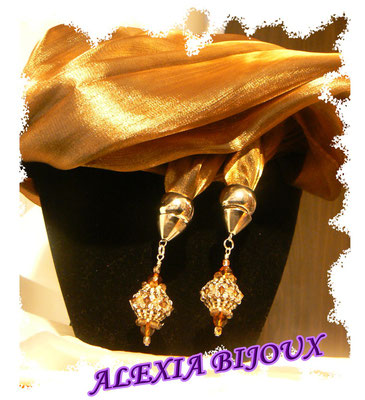 art 205- Sciarpa o stola di seta marrone-oro con preziosissimi ciondoli swarovski!
