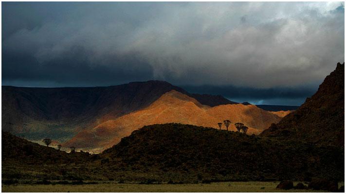 Schneesturm zieht in den Tirasbergen auf