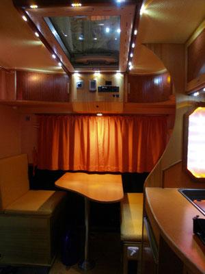 individueller Ausbau einer Pickup-Absetzkabine, Sitzbereich