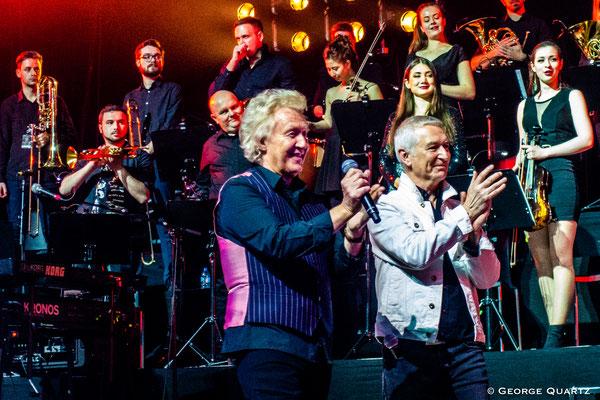 "Thunder, ""Rock meets Classic"" 2020, Berlin, with Robert Hart"