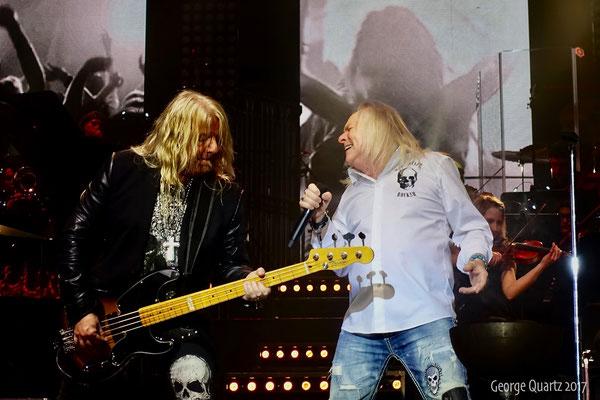 "Mat Sinner, Bernie Shaw (Uriah Heep) -""Rock meets Classic"" 2017 in Berlin"