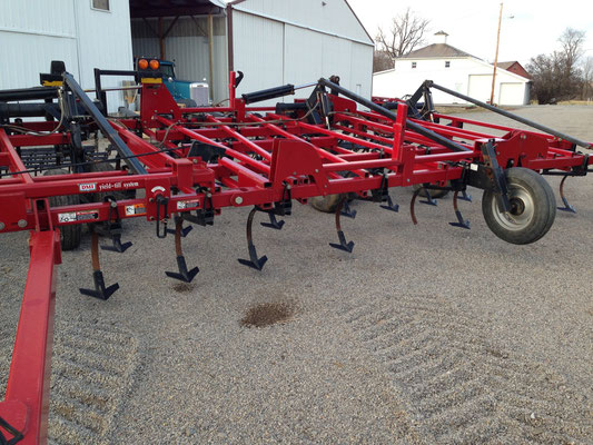 Case IH 60 foot Tiger Mate II Field Cultivator
