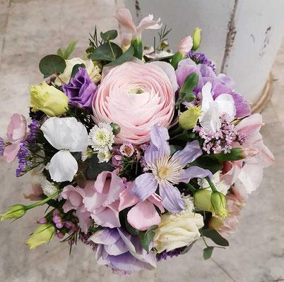 Brautstrauss mit Ranunkel und Anemonen