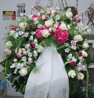 Trauerkranz mit Hortensien