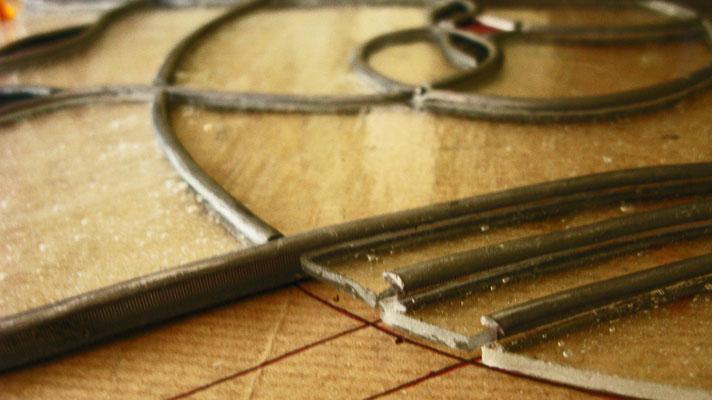 7. Incastonare i pezzi di vetro. Beatrice Morello.