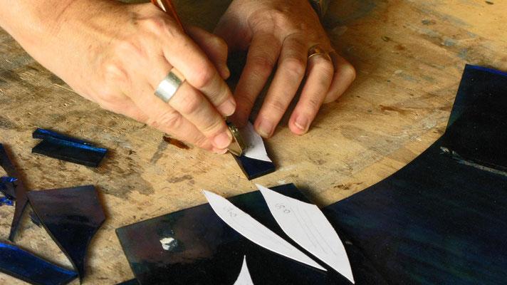 LA TECNICA TIFFANY. Step 4: Taglio del vetro