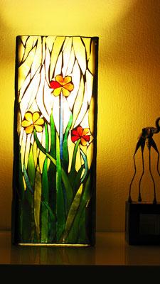 Lampada finita. SPRING! LA LAMPADA IN VETRO DA CREARE INSIEME.