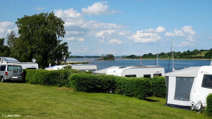 Gemeinde Brodersby - Goltoft / Blick vom Campingplatz Helloer im Ortsteil Goltoft auf die Schlei