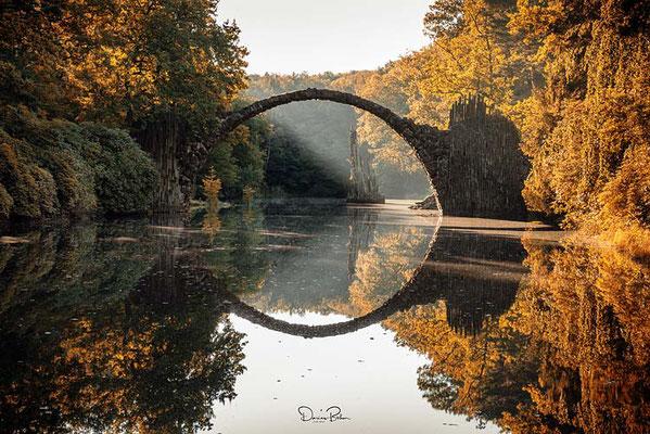 Herbststimmung, Rakotzbrücke in Gablenz, Sachsen