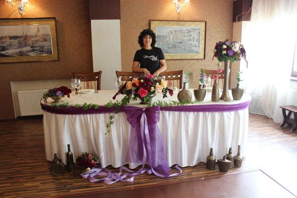 Ось таке воно - кохання зі смаком :) Це весілля і день 12 вересня 2015 в La Terrassa Cafe надовго запам'ятається нам, ну а Андрій і Олена не забудуть ніколи ...