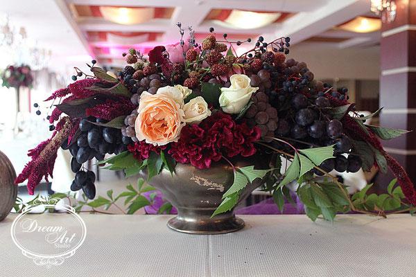 Самою «смачною» стала зона столу молодих і гостей.