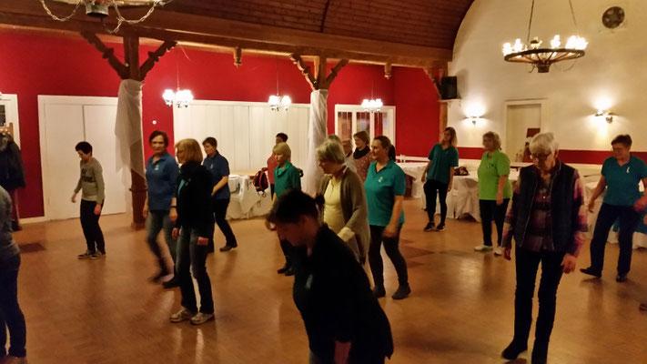 Bordesholmer Landfrauen; Line Dance im Februar 2018