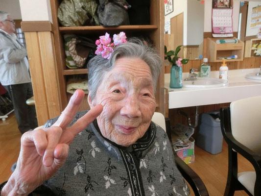 きれいなお花で髪飾り♥