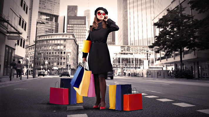 femme shopping, transport shopping, business transfert