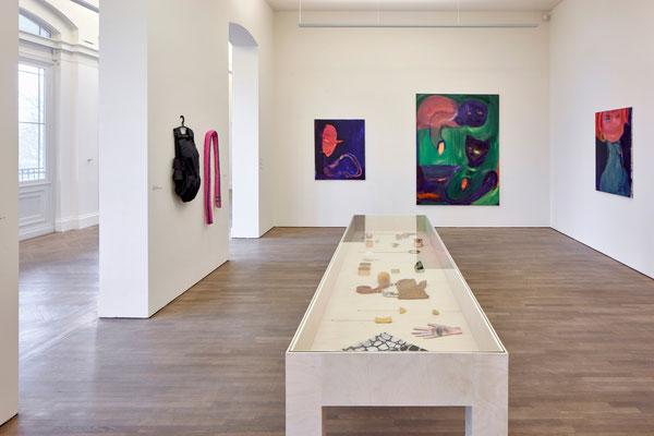 Luxus und Glamour - Vom Eigensinn des Überflüssigen, Arp Museum Rolandseck, 2021, Photo: Mick Vincenz, Essen