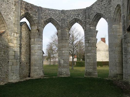 Courcelles:ruines de l'église