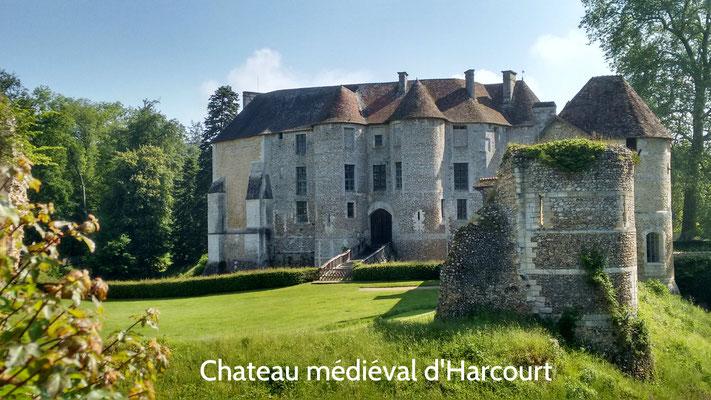 Chateau d'Harcourt près du Neubourg, à 20 min du gîte, nombreuses animations tout au long de l'année