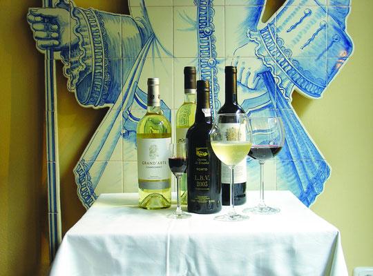 Portugiesischer Wein Douro, Lisboa, Bucelas, vinho do Porto, Vinho Verde, Vinho do Alentejo, Vinho da Madeira