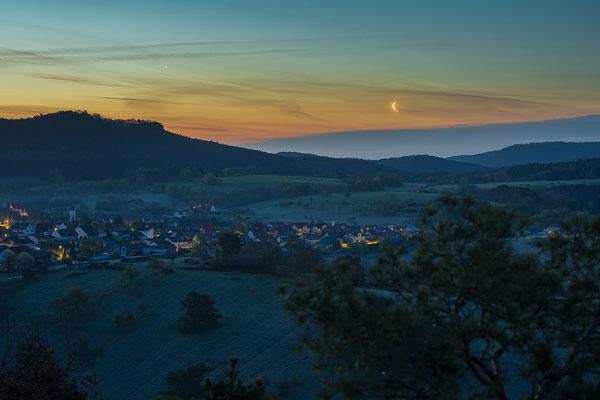 Mond und Venus über dem Buhlsteinpfeiler