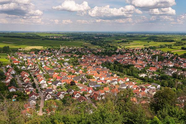 Blick auf Klingenmünster von der Burg Landeck