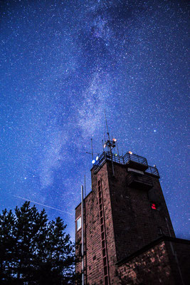 Kalmitturm vor der Milchstraße