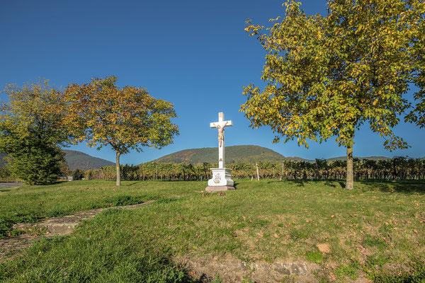 Altes Feldkreuz zwischen Maikammer und Sankt Martin