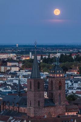 Vollmondaufgang über Neustadt