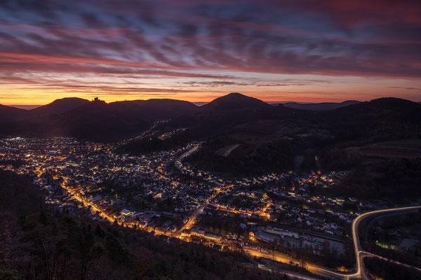 Herbstmorgen über Annweiler