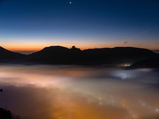 Nebelmorgen über Annweiler