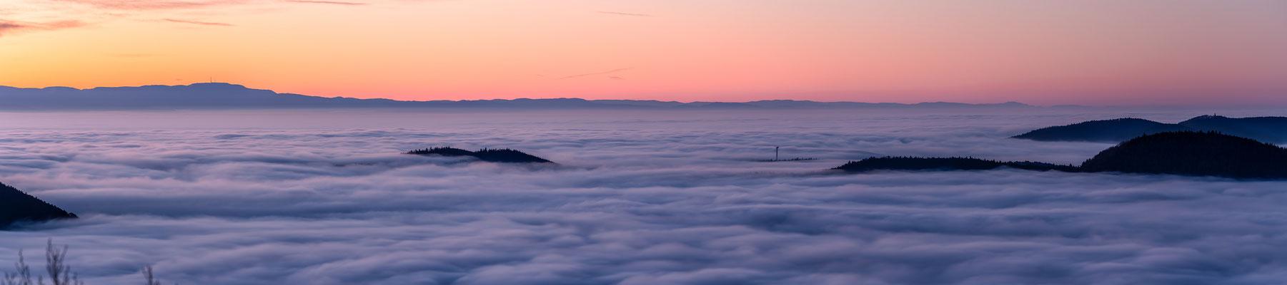 Rheinebene im Nebelmeer