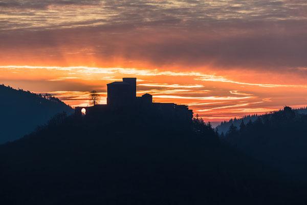 Morgendämmerung am Trifels