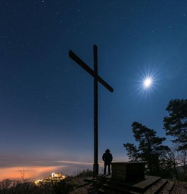 Nebelnacht am Sühnekreuz